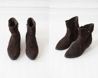 on sale - brown suede ankle boots / pointy cowboy inspired booties / women's 6