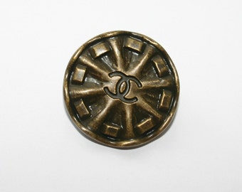 AUTHENTIC CHANE BUTTONS