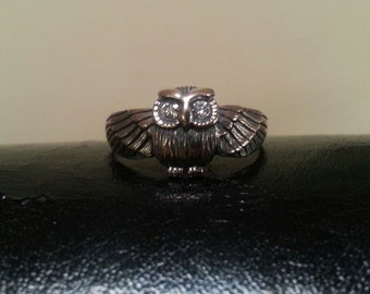 petite owl sterling silver bird ring alternative boho gypsy