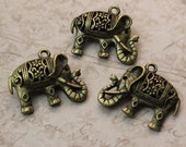 10 Elephant Charms Elephant Pendants Antiqued Bronze Tone Double Sided 3D 20 x 25 mm