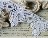 White Lace Trim, Venice Lace Trim for Appliques, Altered Art, Costumes, Lace Jewelry, Headbands, Sashes, Sewing, Crafts GL-110