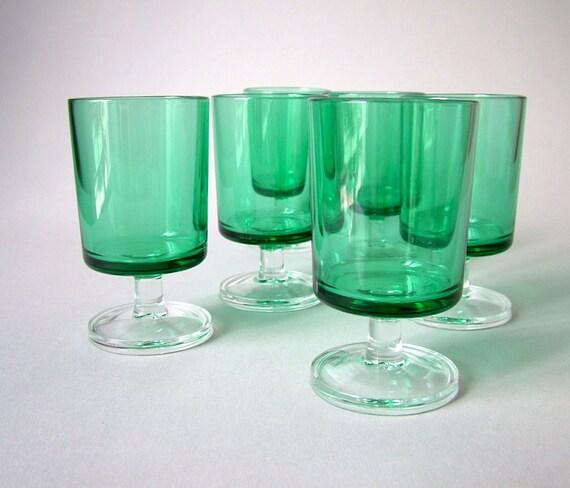 vintage kit de 6 verres verts luminarc verre d 39 eau verre. Black Bedroom Furniture Sets. Home Design Ideas
