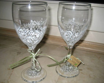Hand painted white lace wine glass set