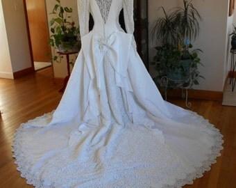 1992 Vintage Wedding Gown Dress White Lace Sequins Pearls Bride Bridal Princess Romantic
