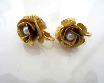 Vintage Gold Tone Rose Flower Clip-On Earrings with Faux Pearl Center and Pebbled Cut Petals