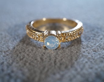 Vintage Yellow Gold Tone Multi Round Prong Set Opalescent Luster Faux Moon Stone Rhinestone Engagement Style Wedding Band Ring, Size 7.5