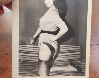 Vintage Pin Up Photography... Amazing photos! Vintage pin ups. 3 Available
