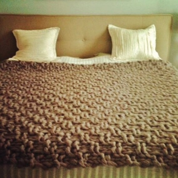 Chunky hand knit wool blanket xl by naturalwoolknits on etsy - Mantas de punto hechas a mano ...