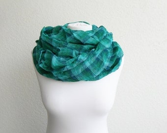 Linen Infinity Scarf, Emerald Green CIJ, Pure Linen Scarf, Checked Scarf, Circle Scarf, Crinkle Scarf, Gift For Him, Man Scarf, Unisex Scarf