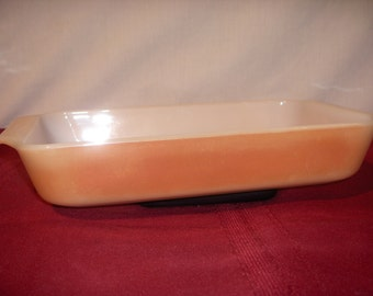 FIRE KING RECTANGULAR 1.5 Quart Baking Dish Peach Lustre #432