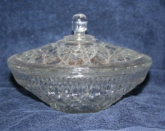 Indiana Windsor Pressed Glass Covered Compote/Candy DISH bowl