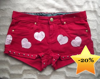 Heart print studded shorts