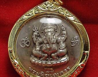 lord Ganesh ganapati vinayaka pendant amulet Ganesha hindu God of cross over obstacle with porKae hermit guru om ohm aum Hinduism deity sign