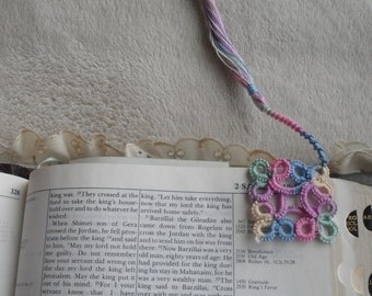 Hand-Tatted Lace Corner Bookmark