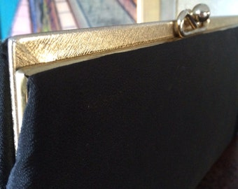 vintage 60's black clutch/chiffon//gold