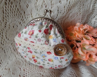 Handmade Coin Purse---lovely flower design