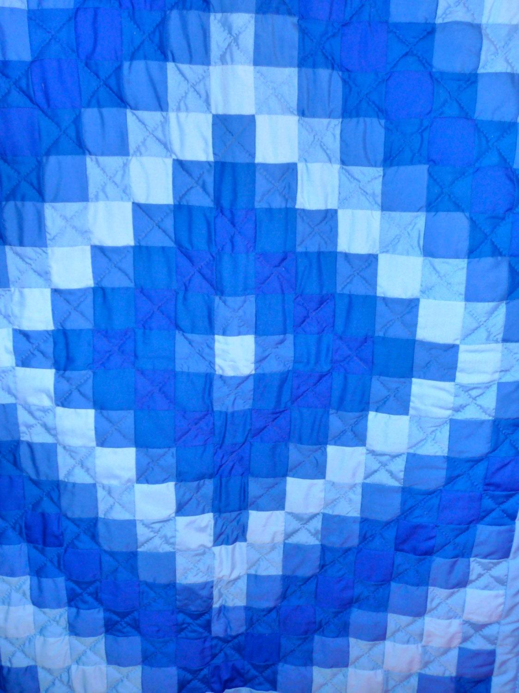 Amish Infant Quilt Trip Around The World Pattern Blue