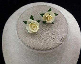 Vintage Plastic Floral Earrings