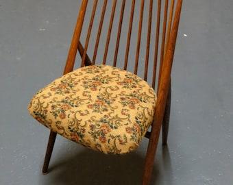 Swedish Chair by Thea Leonard