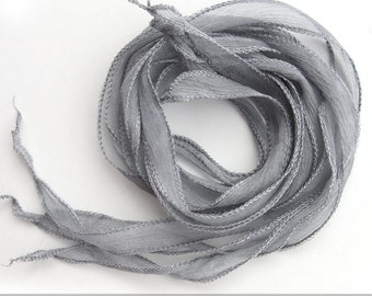 set with 3 silk ribbons crinkle crepe grey