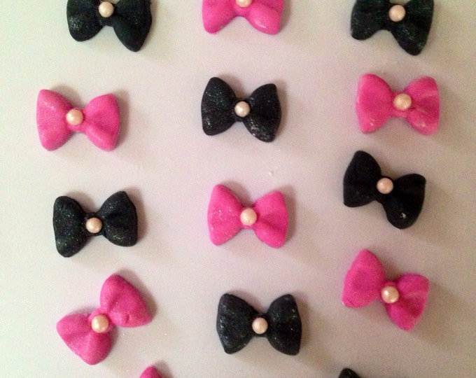 One dz. Fondant small bows