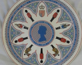 queen elizabeth silver jubilee wedgwood commemorate plate