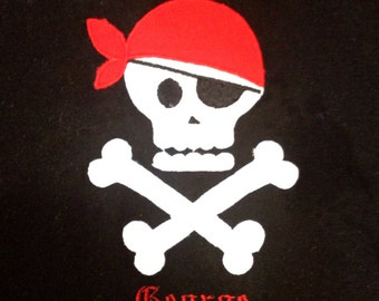 Pirate skull and crossbones machine applique design perfect for your little pirate. Cute pirate appliqué design for girls or boys