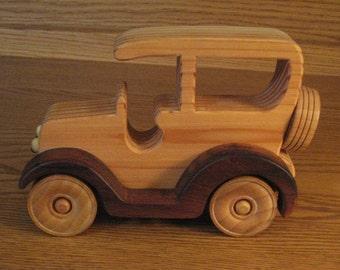 """Wood Car c2 (3""""W x 5""""H x 71/2""""L)"""