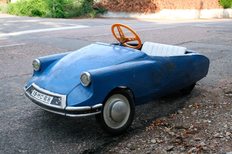french vintage citroen ds pedal car 1968 france. Black Bedroom Furniture Sets. Home Design Ideas