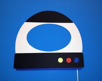 Photo Booth Props - 1 Piece Photo Booth Prop Set-   Astronaut Helmet Photo Booth Prop