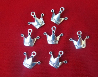 """10pc """"Princess"""" charms in antique silver style (BC32)"""
