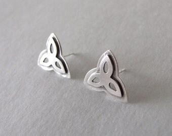 Silver Stud Earrings - flower earrings , silver earrings , stud earrigs , flower stud earrings , gift for her , arabesque earrings
