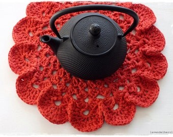 Round red - from vintage yarn hand made crochet blanket by lavendelherzl