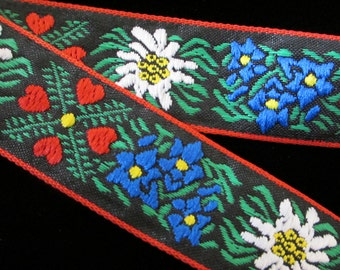 """461.1 Jacquard trim """"Edelweiss with Red Hearts"""" 1"""" (24mm)"""