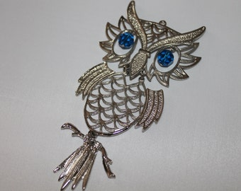 SALE Silver Metal Hinged Owl Pendant, Five Colors to Choose From, Moveable, Swarovski Crystal, Pink, Blue, Black