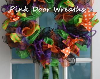Halloween wreath, HALLOWEEN WITCH LEGS wreath, witch Hat, halloween party purple orange black green ribbon mesh door decor -