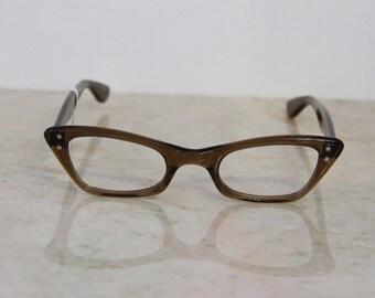 VINTAGE 1950's Women's New Old Stock SRO Brown Smoke Cat Eye Glasses Frames