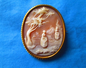 Antique Gold Scenic Country Shell Cameo