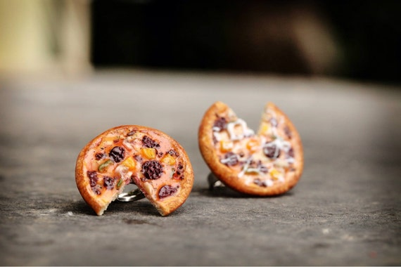 realistic pizza ring food jewelry dollhouse miniature