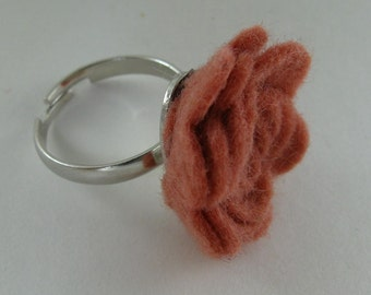 Peach Flower Ring - Peach Rose Ring -Felt Flower - Felt Ring - Adjustable Ring -Artificial Flower -Fake Flower -Flower Jewelry -Felt Jewelry