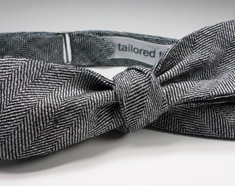 Linen herringbone bowtie in graphite & ivory yarn dyed threads: a classic bow tie expertly loomed in UK. Slim, adj. self-tied... made in USA