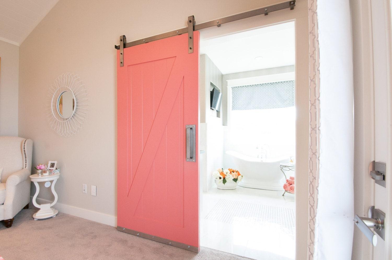 Industrial classic sliding barn door closet hardware for Puertas correderas sodimac