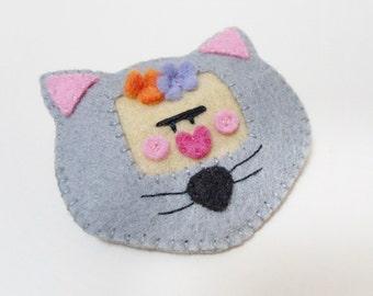 Frida Kahlo brooch cat