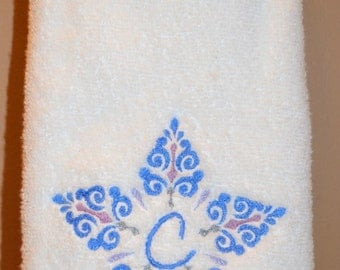 Beautiful Star Personalized Monogrammed Hand Towel- choose your colors, wedding, shower, holiday, gift, bath towel, bath set available