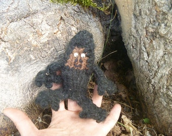 Sasquatch Finger Friend, Puppet