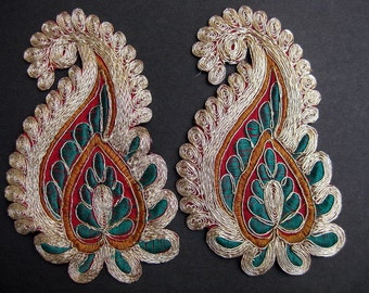 A pair of applique,  paisley  designed, sewing patches. Free shipping.