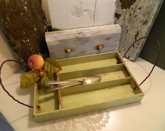 Vintage Light Minty Green Wood Silverware Tray Dovetailed Corners With 2 Metal Handles
