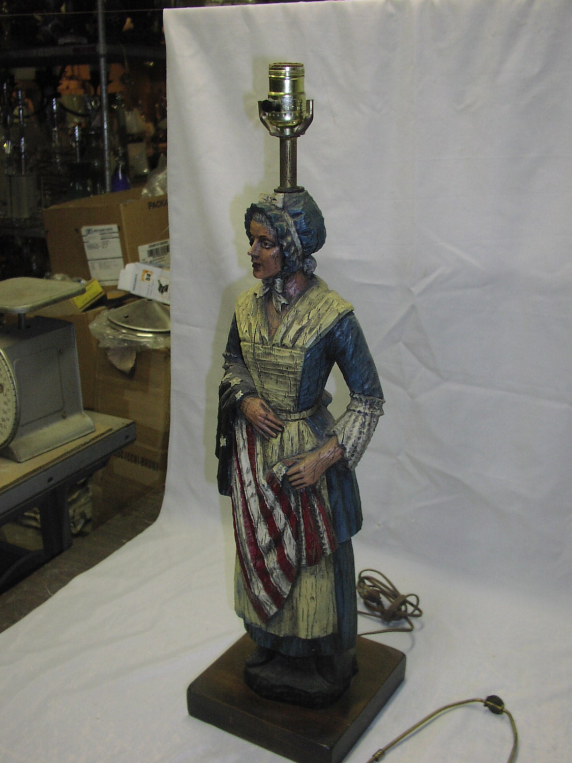 vintage hand carved betsy ross wood table lamp 38 tall. Black Bedroom Furniture Sets. Home Design Ideas