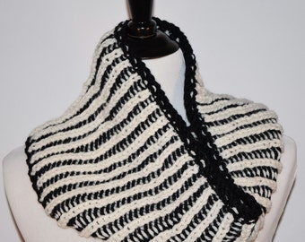 Soft Wool Knit Infinity Scarf, Knit Cowl, Knit Scarf, Reversible, Black and White - Ready to Ship