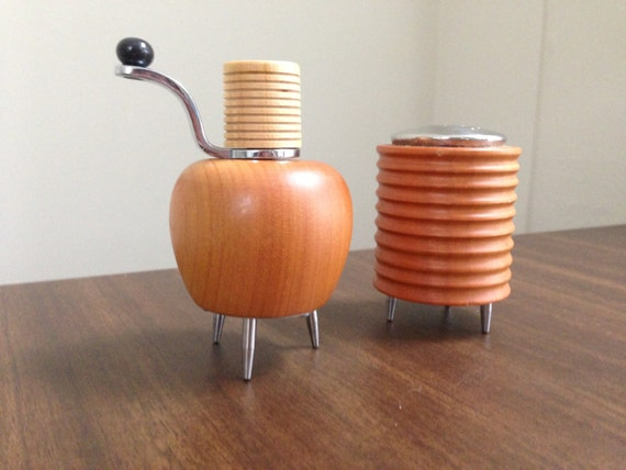 Vintage alessi twergi pepper mill and salt by for Alessi salt and pepper shakers